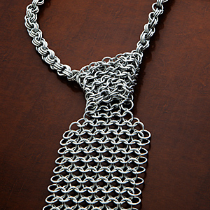 1345_chain_mail_necktie_detail